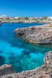 Petite crique de la mer Méditerranée Images libres de droits