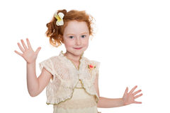 Petite danse d'une chevelure rouge de fille Images stock