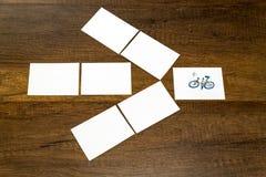 Petite feuille blanche vide avec le modèle de bicyclette Images libres de droits