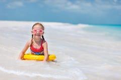 Petite fille à la plage Photographie stock libre de droits