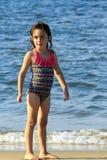 Petite fille à la plage Photographie stock