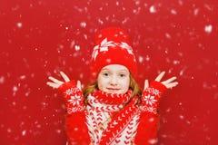 Petite fille étonnée, fond de Noël Photographie stock libre de droits