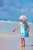 Petite fille adorable à la plage Images stock