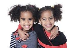 Petite fille africaine adorable jumelle avec beau image stock