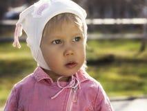 Petite fille astucieuse Image libre de droits