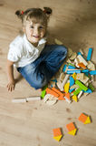 Petite fille avec des blocs Photographie stock libre de droits