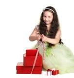 Petite fille avec des présents Images libres de droits