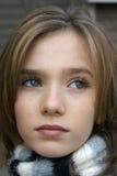 Petite fille avec l'écharpe Photographie stock