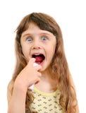 Petite fille avec l'inhalateur Photographie stock