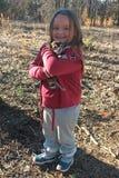 Petite fille avec le chiot Photos libres de droits
