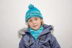 Petite fille blonde un jour d'hiver Photo libre de droits