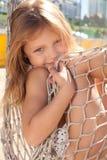 Petite fille dans l'hamac Photos libres de droits