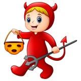 Petite fille dans le costume de diable rouge de Halloween Images stock