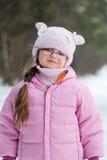 Petite fille de l'hiver adorable en glaces Image libre de droits