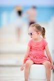 Petite fille dehors Images libres de droits