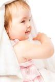 Petite fille en essuie-main de bain Images stock