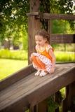 Petite fille en stationnement Image libre de droits