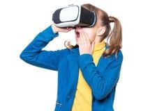 Petite fille en verres de VR Images stock