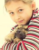 petite fille et chien gentils Images libres de droits