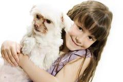 Petite fille et crabot Photos libres de droits