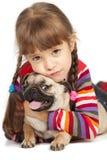 Petite fille et le Roquet-crabot Photo stock