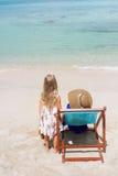 Petite fille et sa mère Image libre de droits