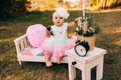 Petite fille extérieure Photos stock
