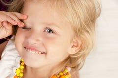 Petite fille gaie Image stock
