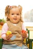 Petite fille heureuse de Pâques images stock