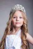 Petite fille magnifique dans la tête photos libres de droits