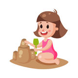 Petite fille mignonne jouant avec le sable sur une plage, illustration colorée de caractère illustration stock