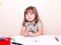 Petite fille pleurante à l'école Images libres de droits