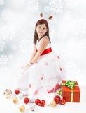 Petite fille prête pour Noël photo stock