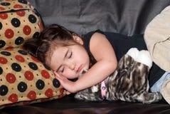 Petite fille prenant le somme Photographie stock libre de droits