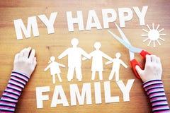 Petite fille rêvant de la famille heureuse Image abstraite avec le PAP Photographie stock libre de droits