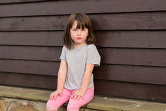 Petite fille seule Image stock