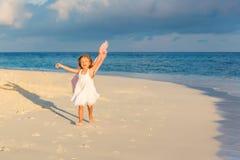 Petite fille sur la plage Image libre de droits