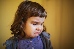 Petite fille triste Photo stock