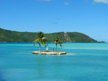 Petite île dans Bora-Bora, Polynésie française Image stock