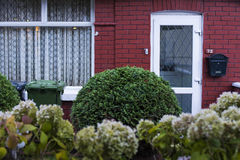 Petite maison irlandaise moderne Photos stock