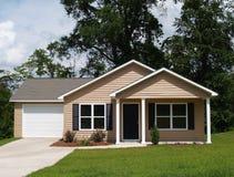 Petite maison résidentielle Photo libre de droits