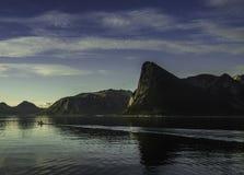 Petite navigation d'accès sur la mer Image stock