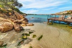 Petite plage à Porto Cervo image libre de droits