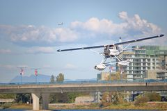 Petite prestation de lignes aériennes régionale canadienne de passager photo libre de droits