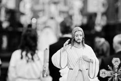 Petite statue de Jesus Christ à l'église Pékin, photo noire et blanche de la Chine Image stock