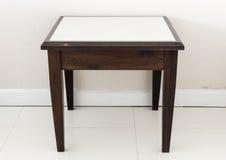 Petite table en bois Image stock