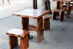 Petite table faite main photographie stock libre de droits