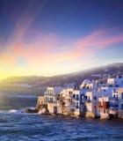 Petite Venise colorée d'île de Mykonos au coucher du soleil, Grèce Image libre de droits