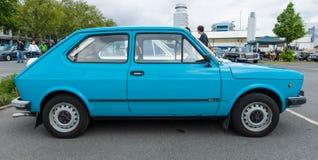 Petite voiture Fiat 127 séries 2 Photos stock