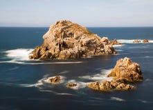 Petites îles dans la côte galicienne, Espagne Photographie stock libre de droits